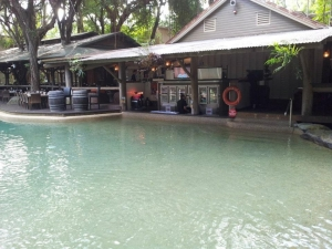 Pool bar - Wyndham Vacation Resorts Asia Pacific at Ramada Port Douglas