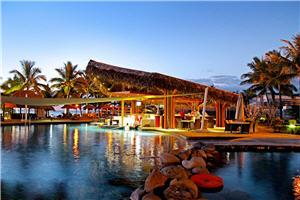 Wyndham Resort Denarau Island pool